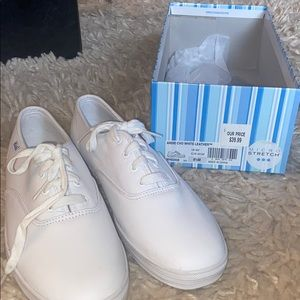 Women's 8.5 white leather keds